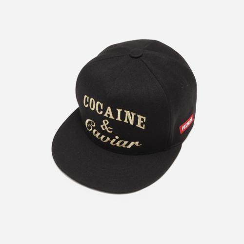 프리미어 스냅백 COCAINE & CAVIAR 블랙/골드